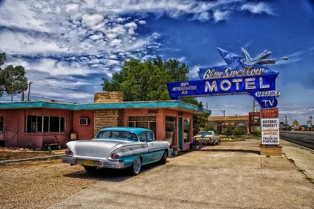 auto u motelu