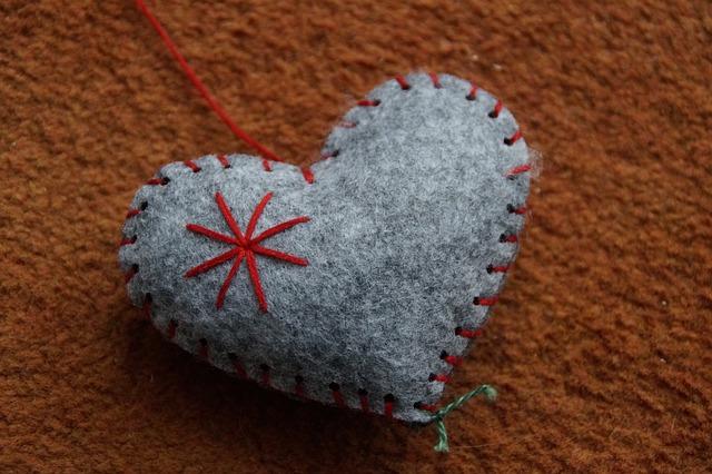 šedé srdce.jpg