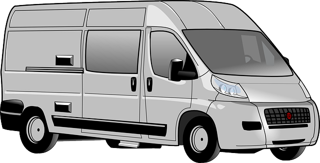 šedý minivan